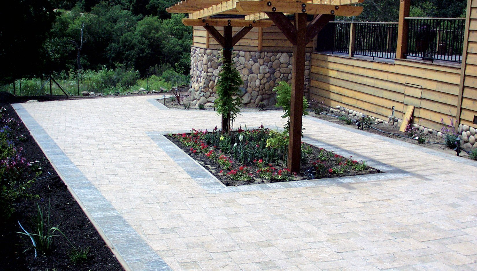 Etonnant ... Garden State Plaza S Canyon Rock Pavers ...