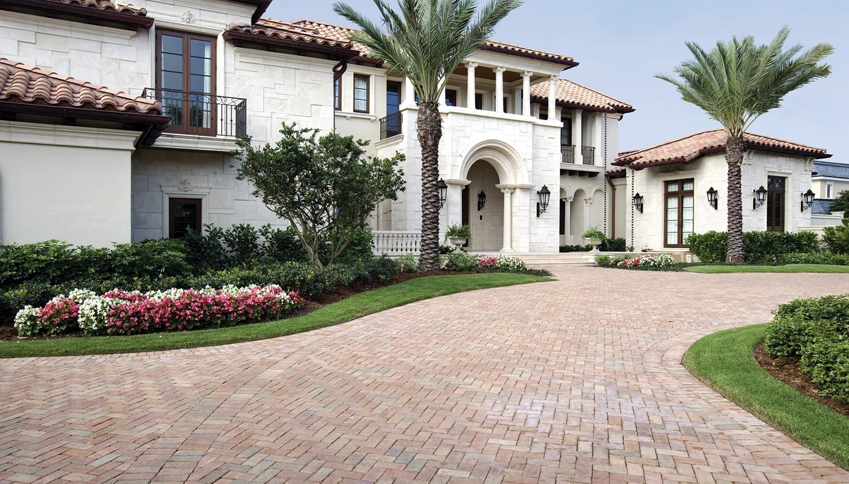 White House Red Roof Pacific Interlock Pavingstone